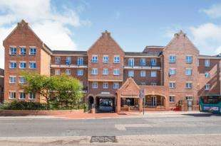 1 Bedroom Retirement Property for sale in Pembroke Court, 397 High Street, Chatham, Kent