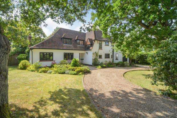 5 Bedrooms Detached House for sale in East Horsley, Leatherhead, Surrey