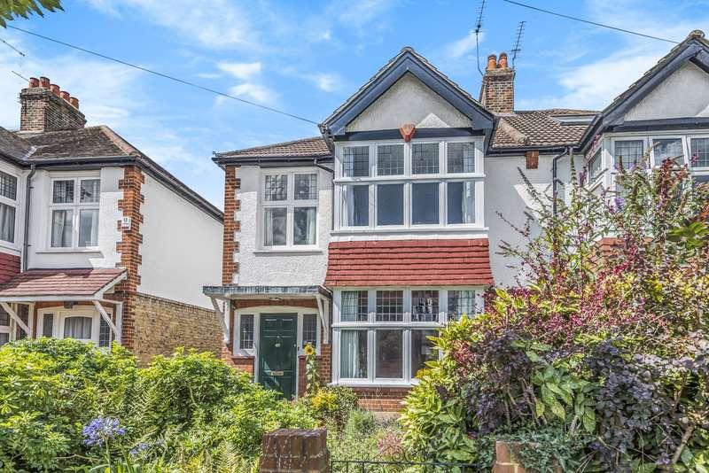 3 Bedrooms Semi Detached House for sale in Avenue Road, Teddington, TW11