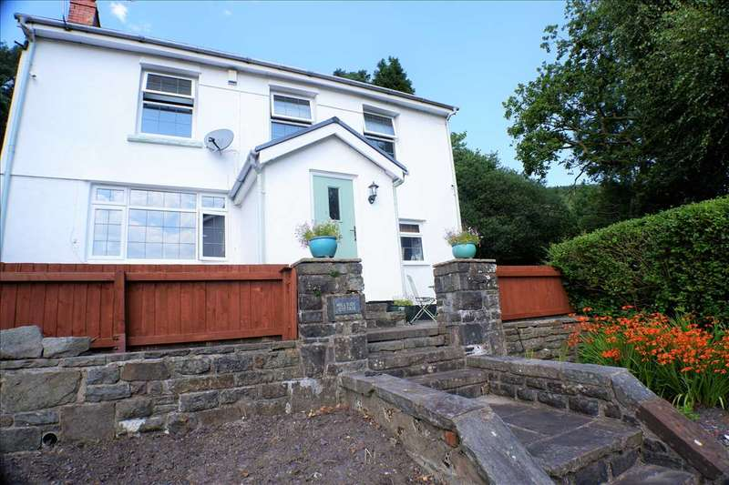 3 Bedrooms Detached House for sale in Hillside Cottage, The View, Tonypandy