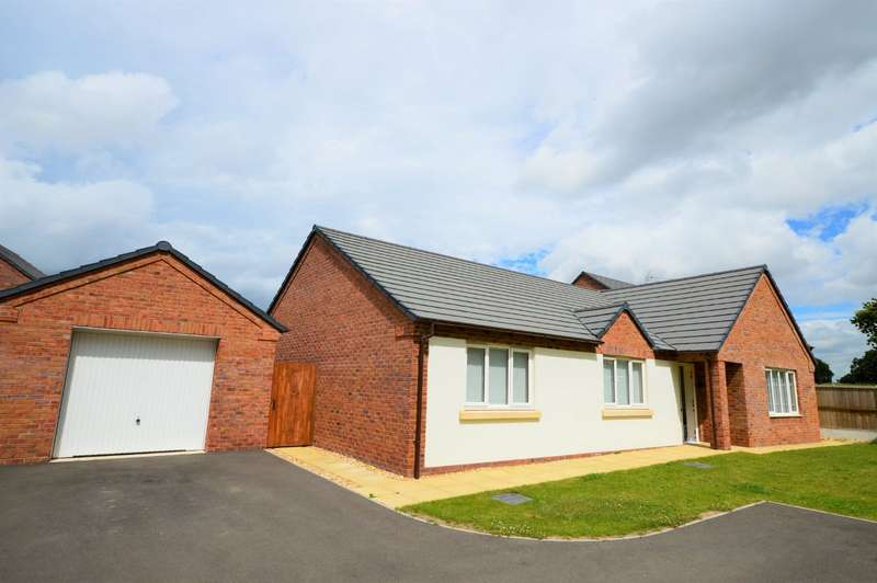 3 Bedrooms Detached Bungalow for sale in Ralphs Drive, West Felton, Oswestry, Shropshire, SY11