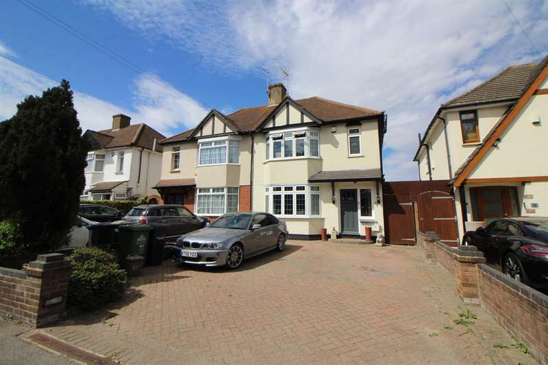 3 Bedrooms House for sale in Cuffley Hill, Goffs Oak, Waltham Cross
