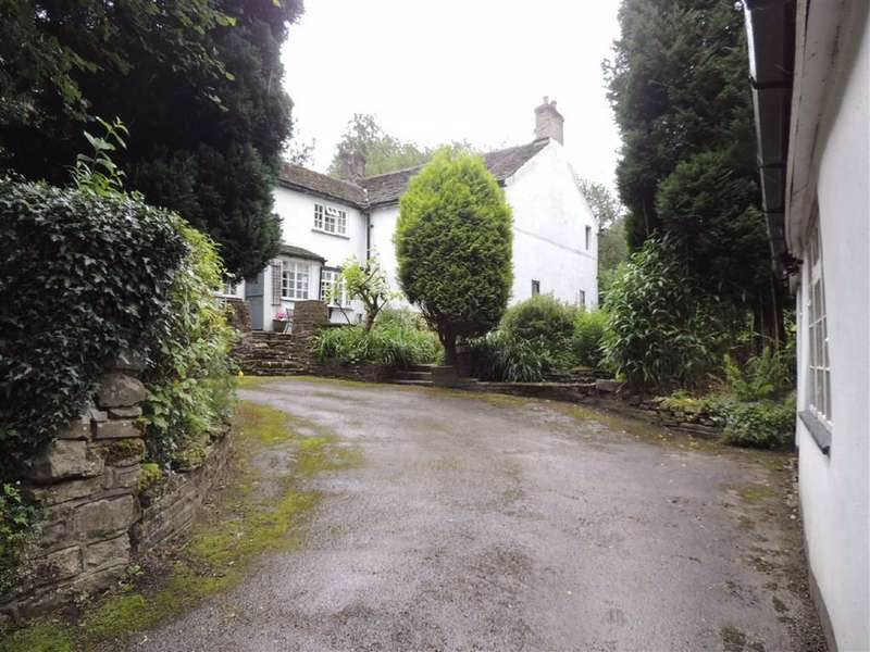 4 Bedrooms Detached House for sale in Hayfield Road, Birch Vale, High Peak