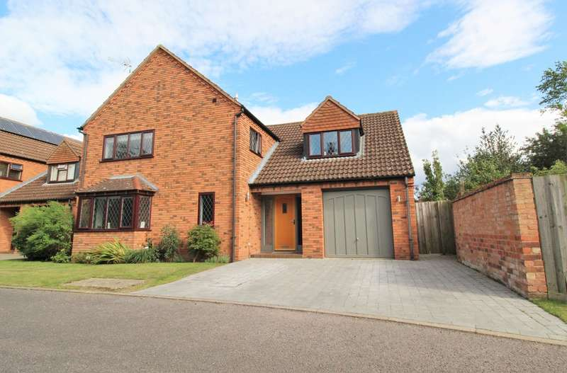 4 Bedrooms Detached House for sale in Elliotts Orchard, Barford, Warwick