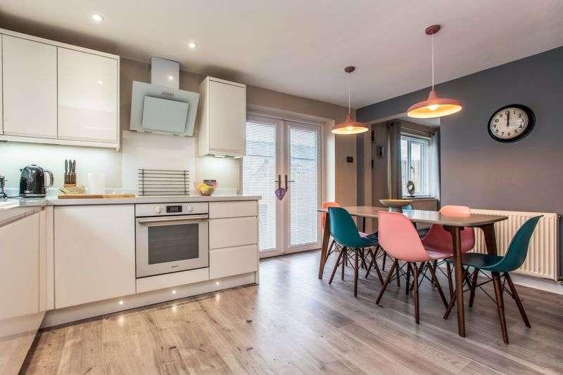 3 Bedrooms Property for sale in Fantastic 3 bedroom home