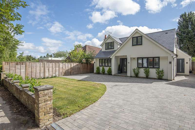 4 Bedrooms Detached House for sale in Wiltshire Avenue, Crowthorne, Berkshire, RG45 6NG