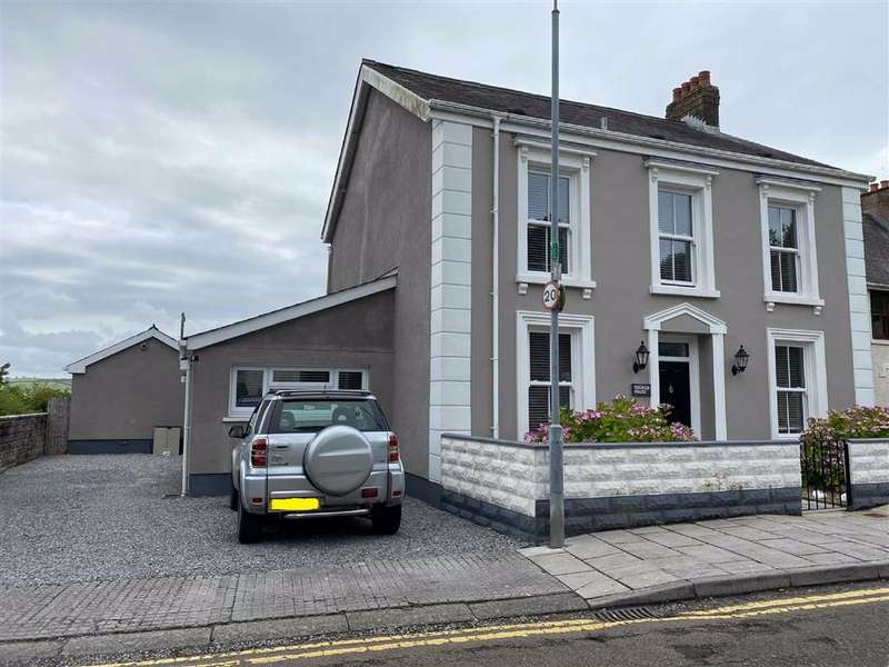 3 Bedrooms Detached House for sale in Church Road, Llansteffan, Carmarthen