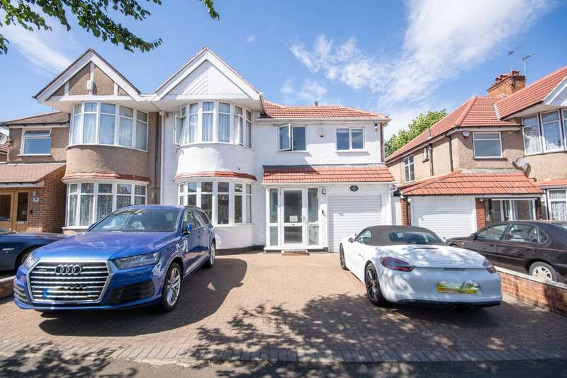 4 Bedrooms Semi Detached House for sale in Parkside Way, Harrow