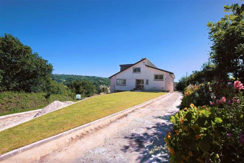 4 Bedrooms Property for sale in COMMANDING VIEWS OVER THE TAMAR VALLEY