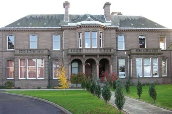 3 Bedrooms Flat for rent in Vernonholme - Riverside Drive, West End, Dundee, DD2