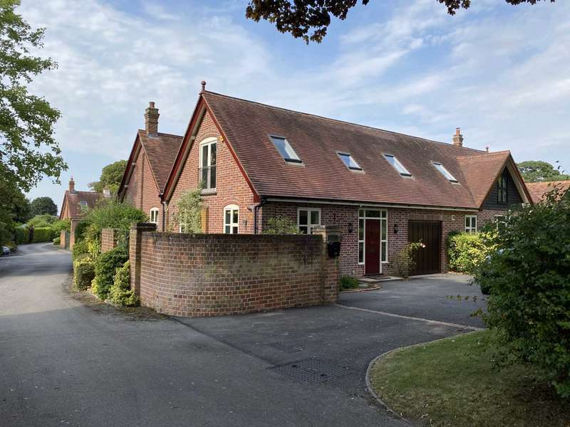 4 Bedrooms Barn Conversion Character Property for sale in Park Road, Tring, Hertfordshire