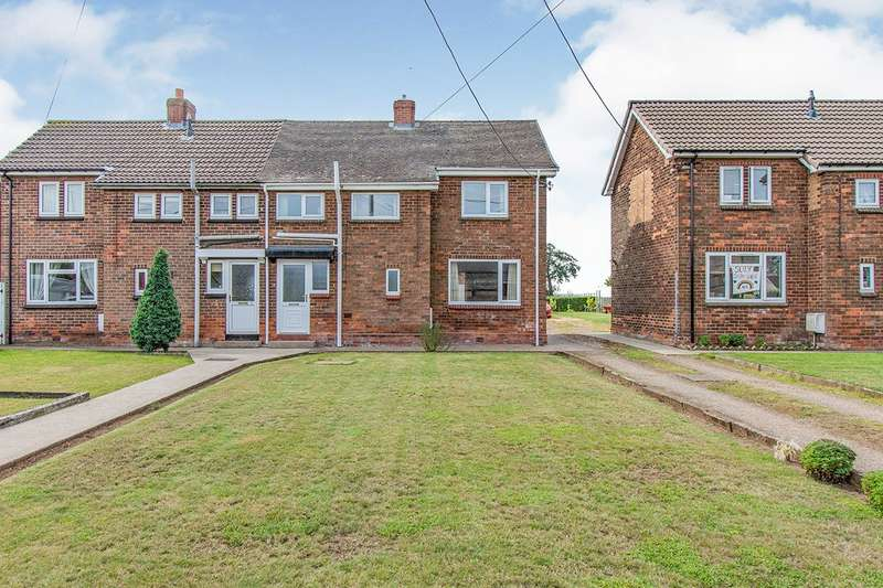3 Bedrooms Semi Detached House for sale in Brook Terrace, Wroot, DN9