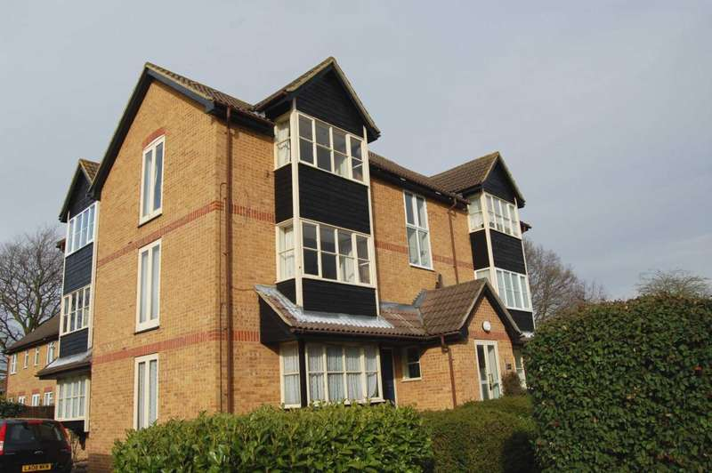 Studio Flat for rent in ADDLESTONE