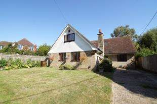 5 Bedrooms Detached House for sale in Church Road, Catsfield, Battle, East Sussex
