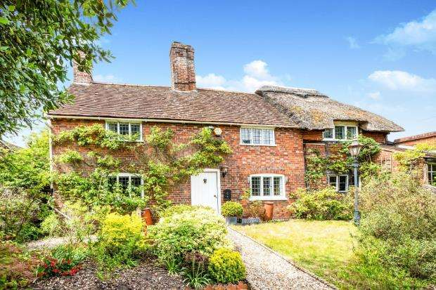3 Bedrooms Detached House for sale in Sherborne St. John, Basingstoke, Hampshire
