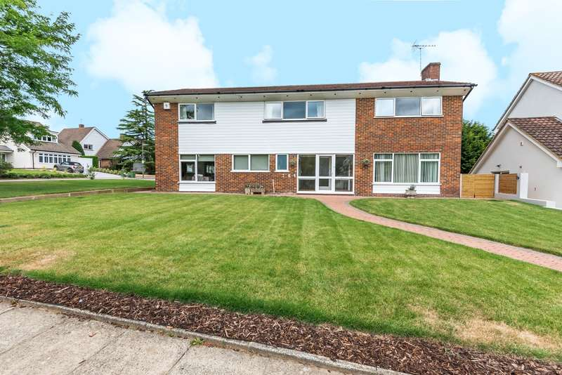 5 Bedrooms Detached House for sale in Brendon Drive, Esher, KT10