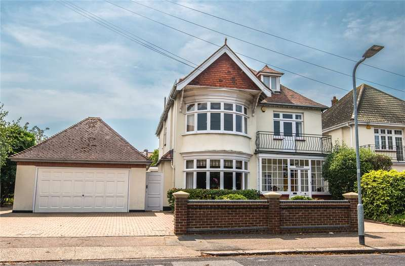 5 Bedrooms Detached House for sale in Burges Road, Thorpe Bay, Essex, SS1