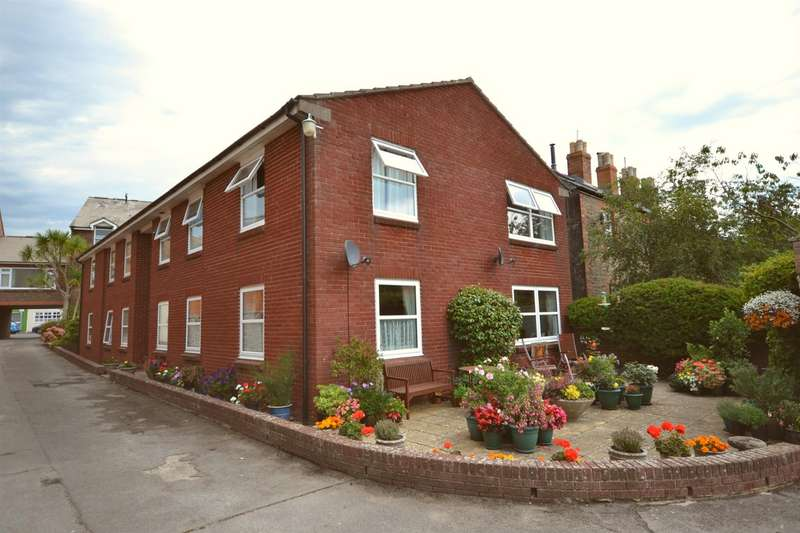2 Bedrooms Flat for sale in East Street, Bridport