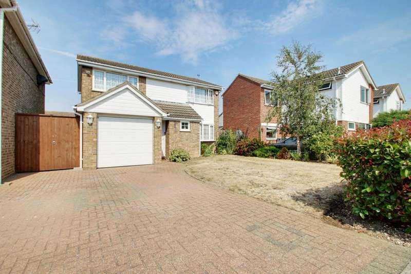 4 Bedrooms Detached House for sale in Cotman Road, Clacton-On-Sea