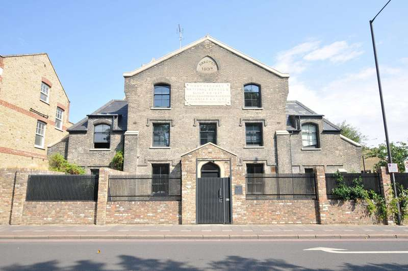 3 Bedrooms House for sale in Leswin Road, London