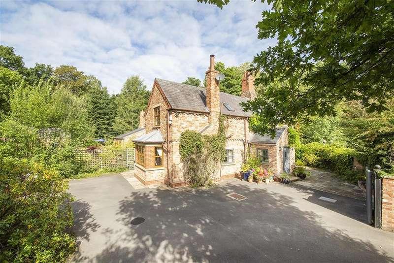 5 Bedrooms Detached House for sale in Skelton Lane, Wigginton, York, YO32 2RE