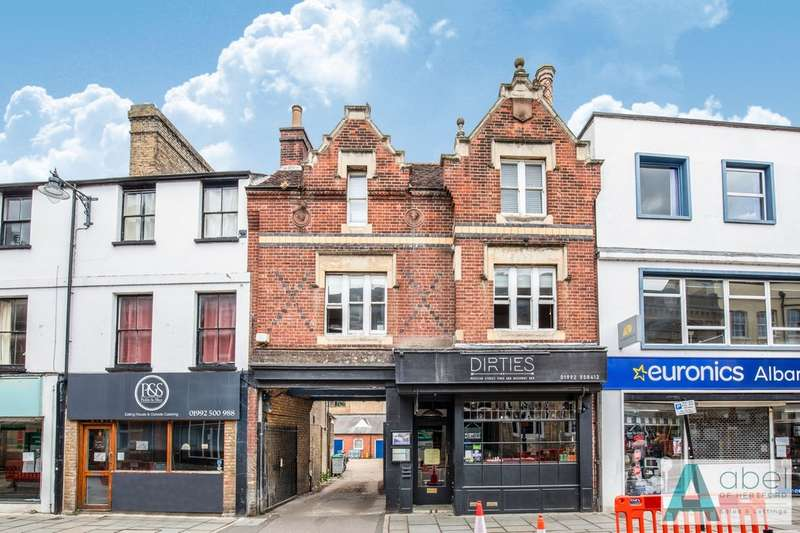 2 Bedrooms Flat for sale in Fore Street, Hertford, SG14