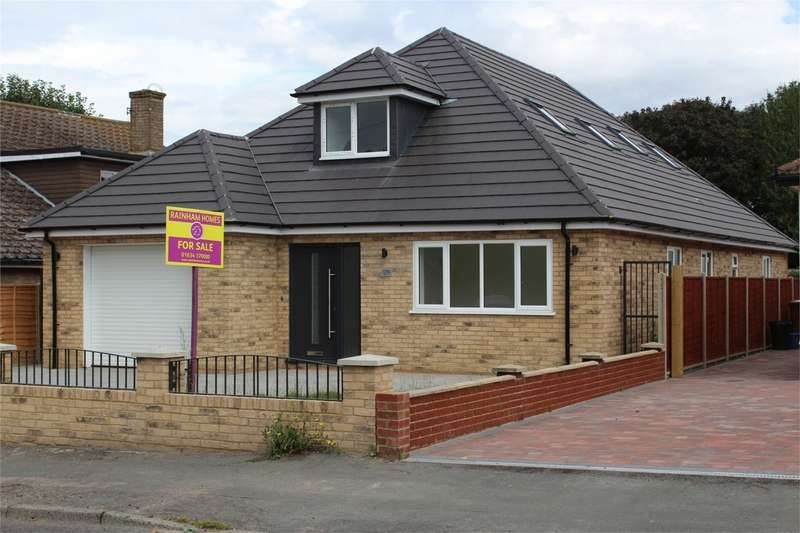 5 Bedrooms Chalet House for sale in Wigmore Road, Wigmore, Gillingham, Kent