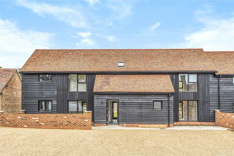 3 Bedrooms Semi Detached House for sale in The Farmstead, Luddington, Stratford-Upon-Avon