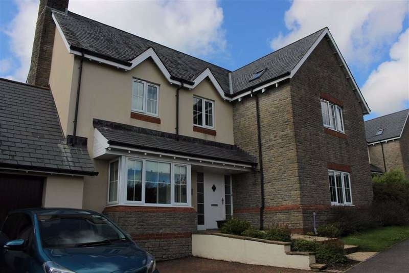 4 Bedrooms Detached House for sale in Dukefield, Three Crosses