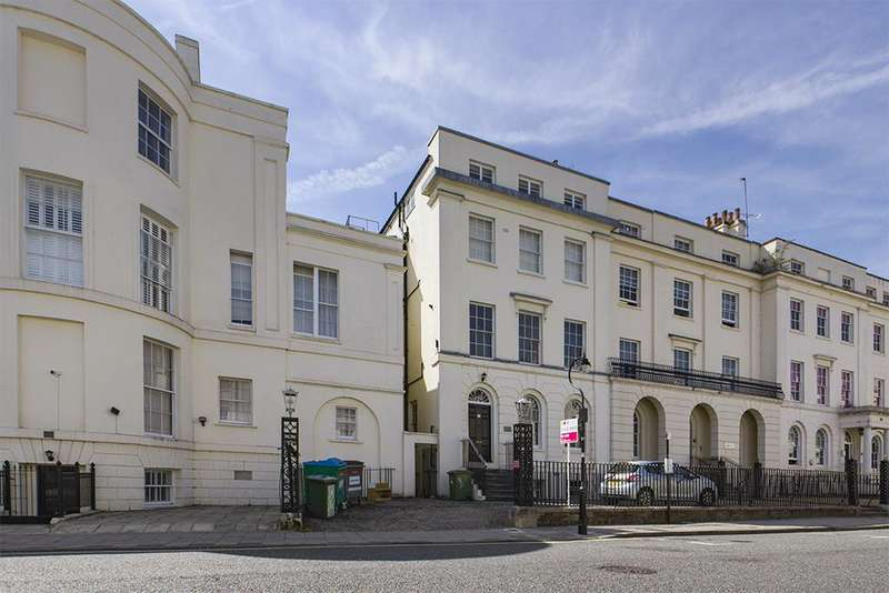 2 Bedrooms Flat for sale in Carlton Crescent, Southampton, SO15 2EW