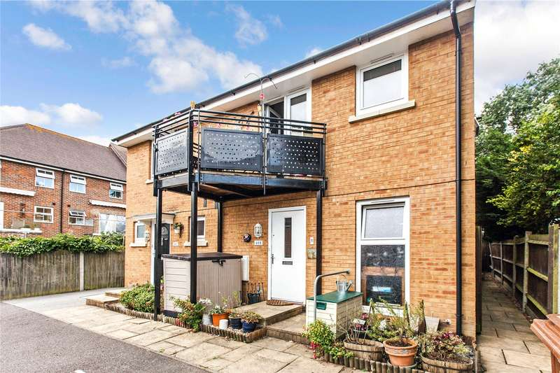 1 Bedroom Semi Detached House for sale in Toad Hall Crescent, Chattenden, Rochester, Kent, ME3