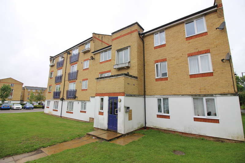 2 Bedrooms Flat for sale in Dadswood, Harlow, CM20