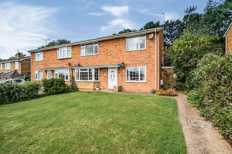 2 Bedrooms Maisonette Flat for sale in Neptune Drive, Hemel Hempstead, Hertfordshire, HP2