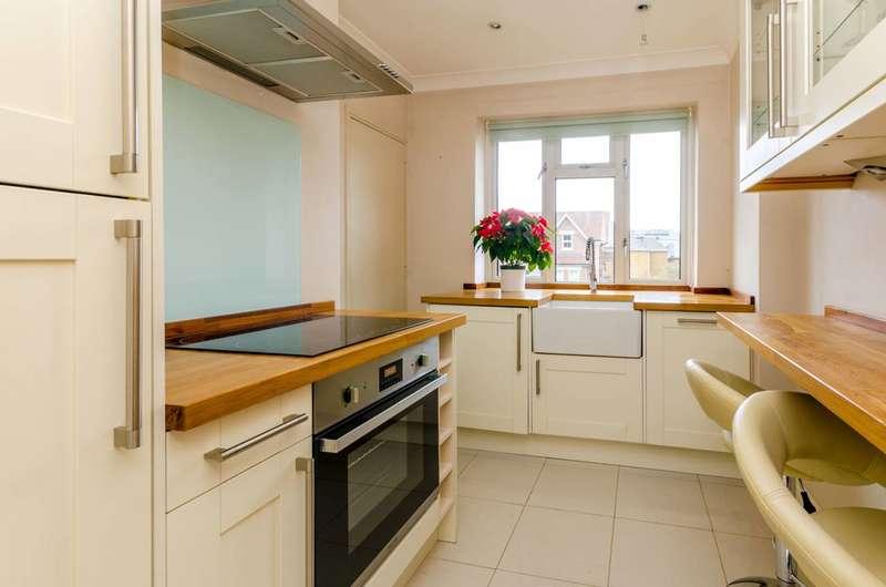 2 Bedrooms Maisonette Flat for rent in Albury Road, Guildford, GU1