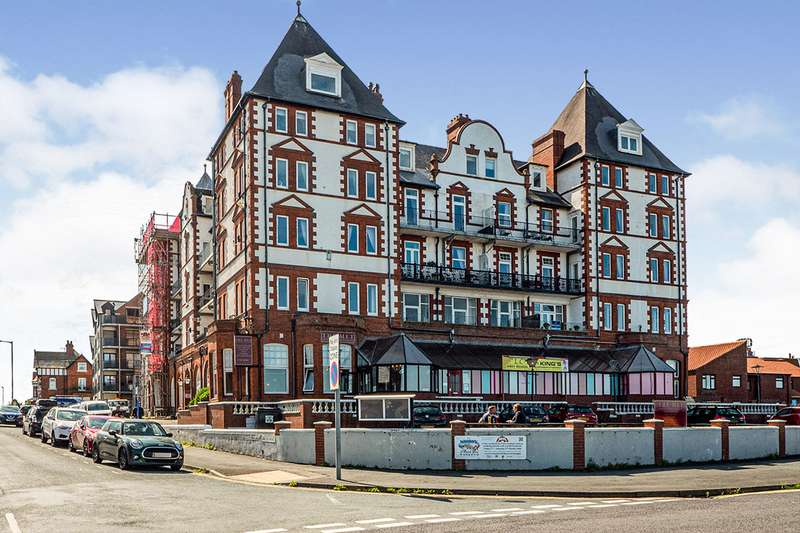 3 Bedrooms Apartment Flat for sale in Metropole Towers, Argyle Road, Whitby, North Yorkshire, YO21
