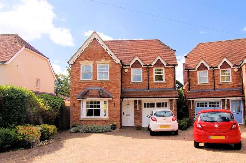 5 Bedrooms Property for sale in Catisfield Road, Fareham