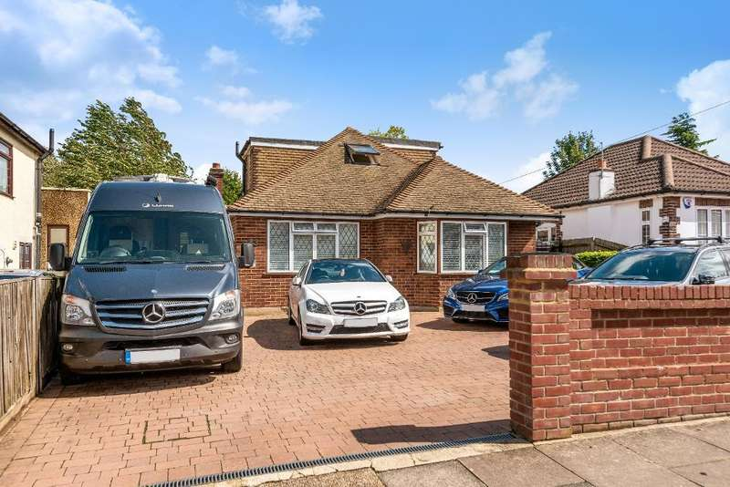 4 Bedrooms Detached House for sale in Haileybury Road, Orpington, Kent, BR6 9EZ