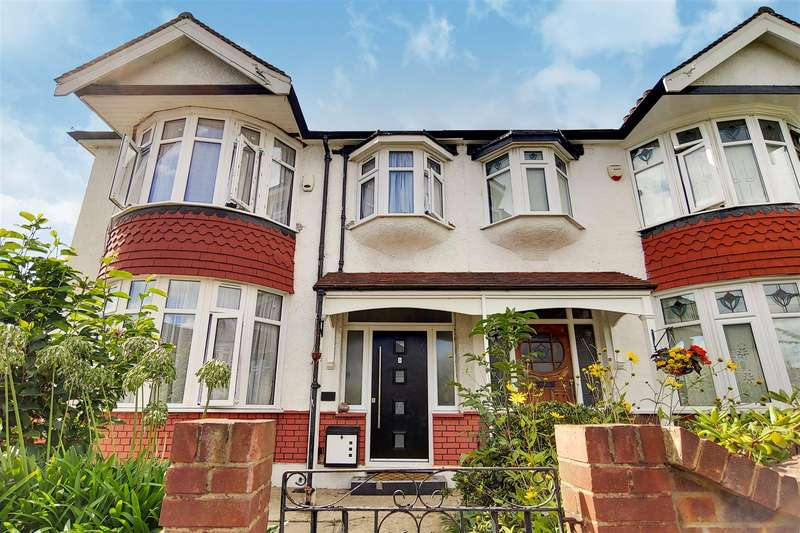 3 Bedrooms End Of Terrace House for sale in Cavendish Gardens, Barking
