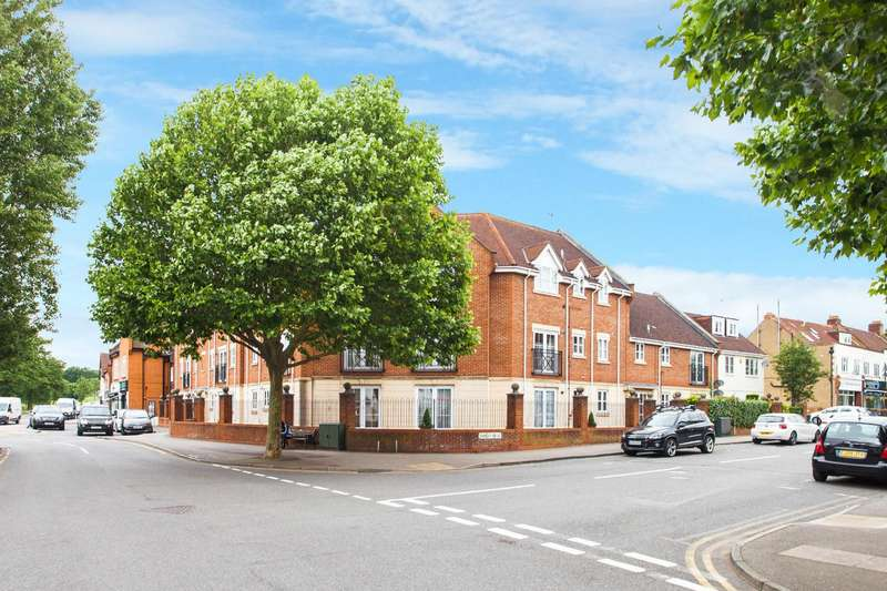 2 Bedrooms Flat for sale in Forest Drive, Theydon Bois, Epping