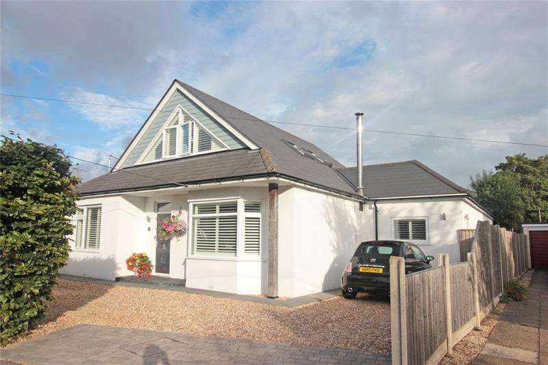 4 Bedrooms Bungalow for sale in The Grove, West Christchurch, Dorset, BH23