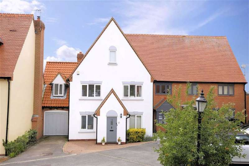 4 Bedrooms Mews House for sale in Churchfield, Epping