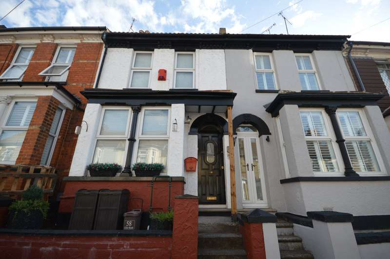 2 Bedrooms House for sale in Clive Road, Rochester, Kent, ME1