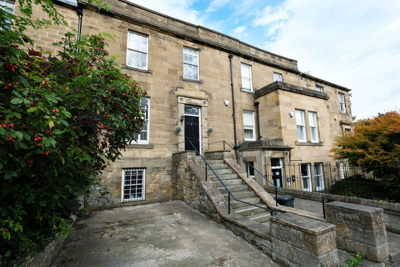 3 Bedrooms Town House for sale in Orchard Place, Hexham