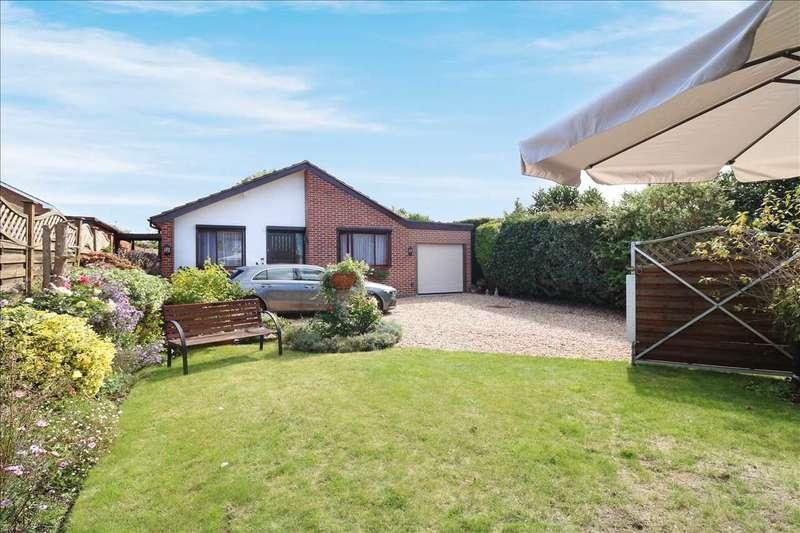 3 Bedrooms Bungalow for sale in Crescent Road, Locks Heath