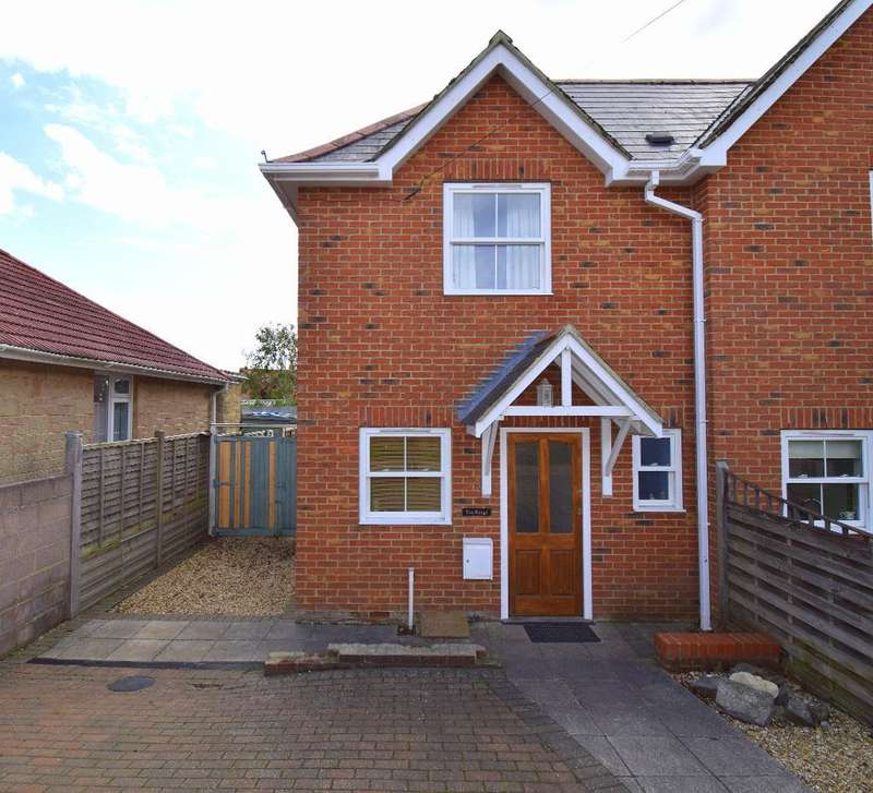 2 Bedrooms Semi Detached House for sale in Westfield Road, St Helens, Isle of Wight, PO33 1UZ