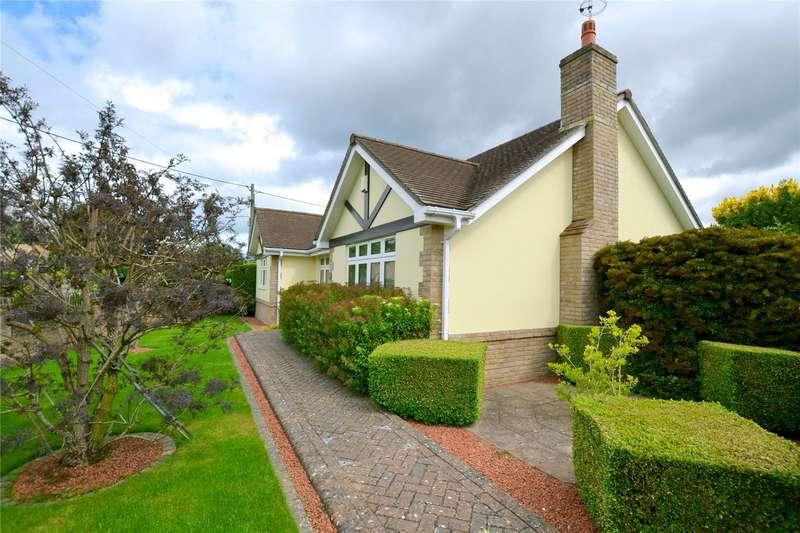 3 Bedrooms Detached House for sale in Braeside Road, St. Leonards, Ringwood, BH24