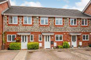 3 Bedrooms Terraced House for sale in Pippins Close, Tonbridge, Kent, .
