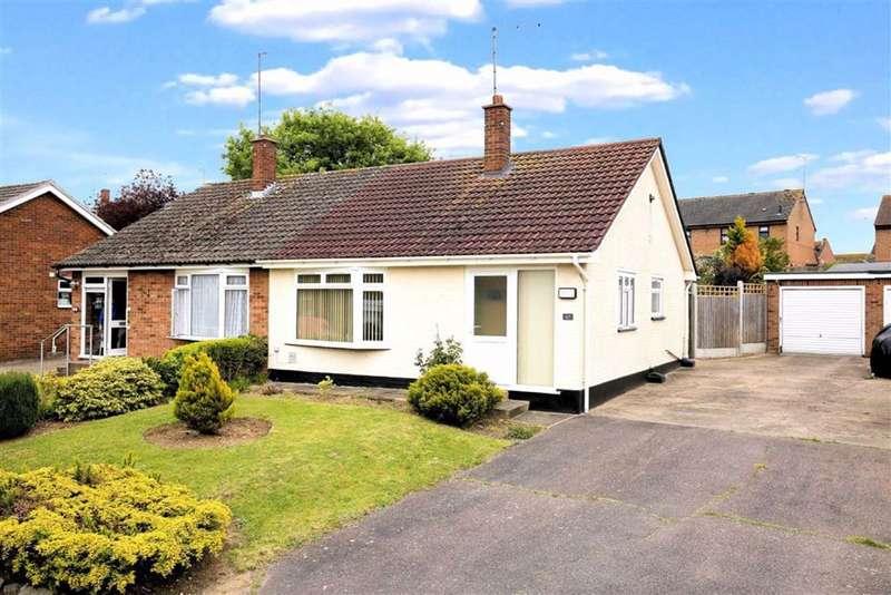 2 Bedrooms Semi Detached Bungalow for sale in Pancroft, Abridge