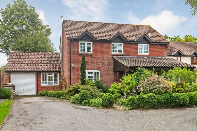 4 Bedrooms Detached House for sale in Rowan Close, South Wonston, Winchester, SO21