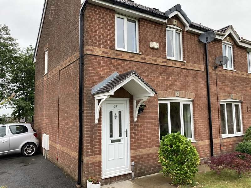 3 Bedrooms Semi Detached House for sale in Pearly Bank, Oldham, Greater Manchester, OL1